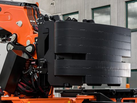 Automatic counterweight dismantling